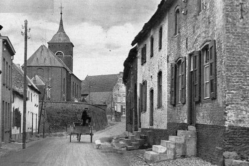 Beekstraat in Urmond in 1932